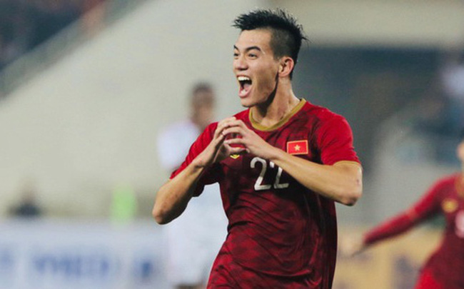 Chàng trai sáng nhất đêm nay của tuyển Việt Nam - Nguyễn Tiến Linh: Khiến đội bạn nhận thẻ đỏ, rồi ghi siêu phẩm đỉnh cao