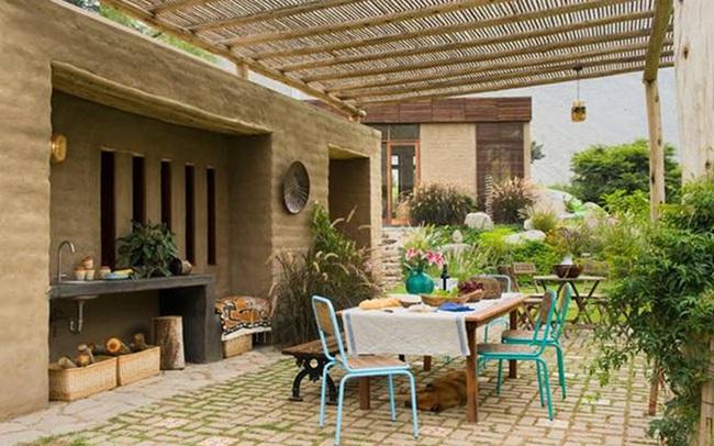 Nhà gỗ đất sét ngoài nhìn đơn giản trong có vẻ đẹp 'gây nghiện'