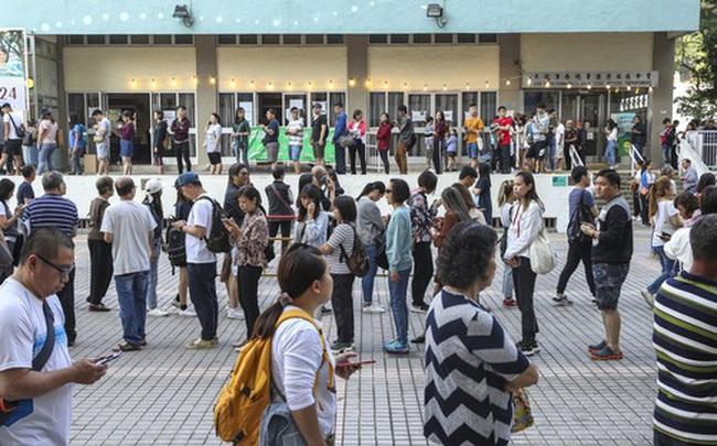 Hồng Kông: Phe thân Bắc Kinh thua nặng nề trong cuộc bầu cử hội đồng quận