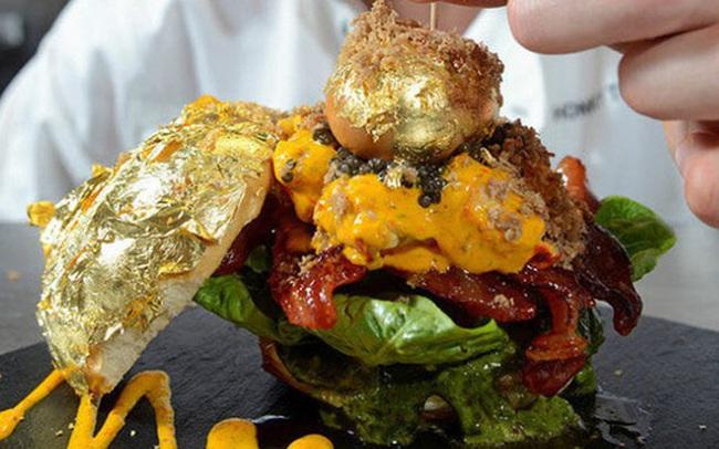 """Giới thượng lưu Dubai """"cuồng"""" vàng đến mức nào? Sẵn sàng vung tiền để ăn món dát vàng, có loại pizza lên đến… 4,8 tỷ/ cái"""