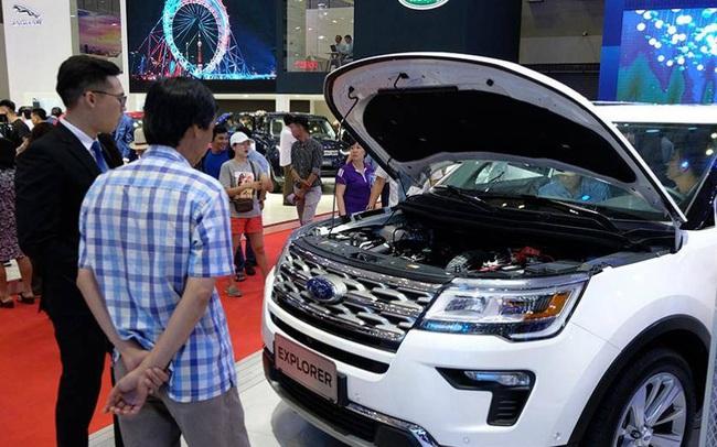 Giá ô tô cuối năm, không năm nào như năm nay