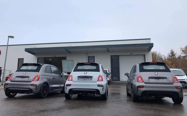 Abarth 595 gần 3 tỷ đồng chào hàng đại gia Việt: Xe nhỏ hơn VinFast Fadil nhưng giá ngang Porsche Macan với trang bị khủng như siêu xe