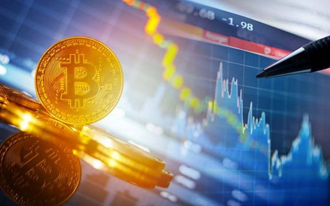 Giá Bitcoin tiếp đà trượt dốc
