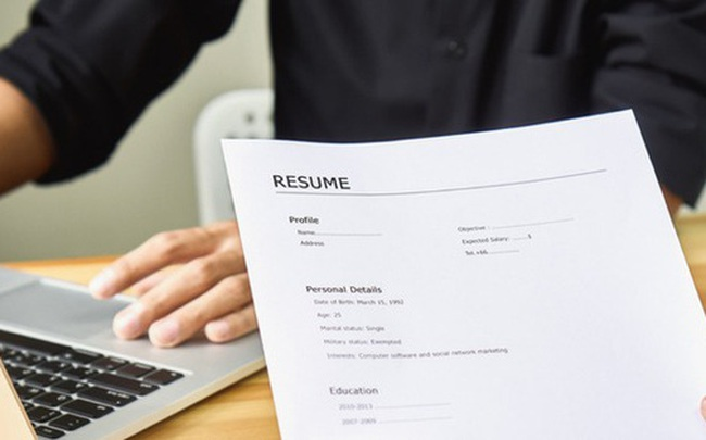 Phỏng vấn xin việc thất bại, cô gái trẻ đưa cho người quản lý 115 nghìn đồng và liền được tuyển thẳng vào công ty