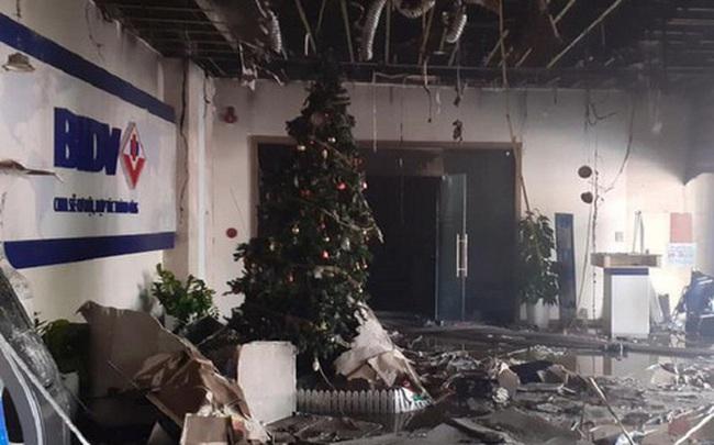 Hà Nội: Cháy ngân hàng BIDV trên đường Nguyễn Chí Thanh