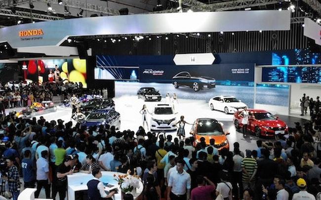 Sát Tết, ô tô giá rẻ gần 300 triệu từ Indonesia lại ồ ạt về Việt Nam