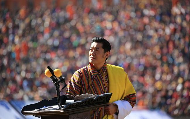 """Hoàng hậu """"vạn người mê"""" Bhutan thông báo tin vui khiến dân chúng vỡ òa hạnh phúc, dù mang thai lần 2 vẫn thần thái hơn người"""