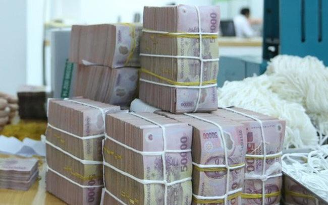 Tiền tiếp tục bị hút ròng, lãi suất VND liên ngân hàng thấp