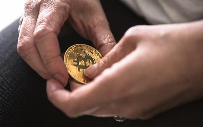 Đà tăng bị 'bẻ gãy', Bitcoin rơi tự do