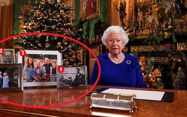 Nữ hoàng Anh phát biểu thông điệp Giáng sinh, nhưng đáng chú ý là không có hình của vợ chồng Meghan trên bàn của bà