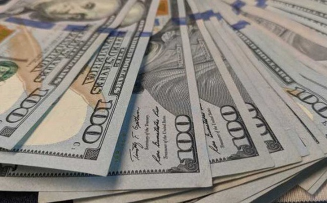 """Khối tiền mặt mệnh giá 100 USD với tổng trị giá 1.500 tỉ USD """"bốc hơi"""": Mỹ hé lộ nguyên nhân thực sự"""