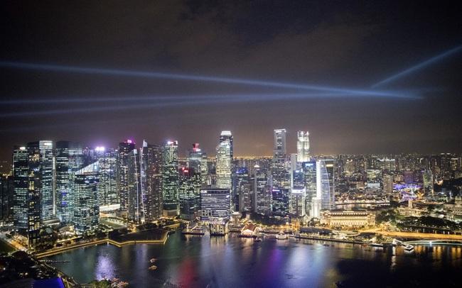 """""""Giao dịch nội gián"""" trên sân golf khiến giá đất ở Singpapore giảm đi như thế nào?"""