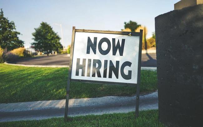 Lý do tại sao bây giờ chính là khoảng thời gian tuyệt vời để tìm việc làm mới, ngay cả khi bạn đang hài lòng với công việc hiện tại!