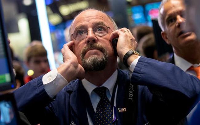 Nỗi lo về căng thẳng địa chính trị bao phủ thị trường, Dow Jones có lúc rớt hơn 200 điểm nhưng nhanh chóng hồi phục
