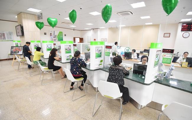 Vietcombank giảm 1 - 1,5% lãi suất cho vay các doanh nghiệp bị ảnh hưởng bởi dịch do virus Corona
