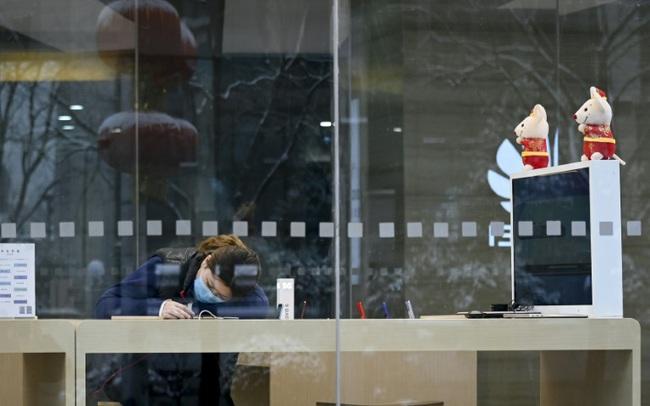 Bơm 22 tỷ USD hỗ trợ, Trung Quốc hi vọng có thể ngăn cản thị trường lao dốc khi mở cửa trở lại vào sáng mai