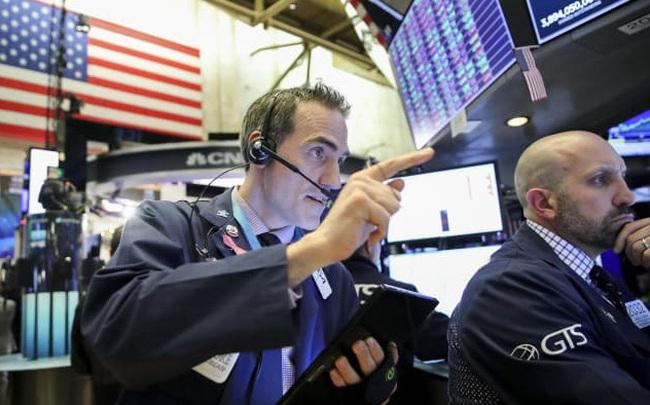 Phố Wall khởi sắc 4 ngày liên tiếp khi nỗi lo ngại về virus corona giảm dần, Dow Jones chạm mức cao nhất mọi thời đại