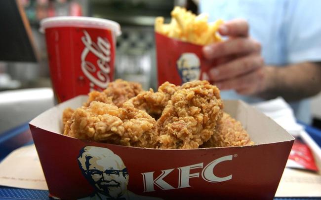 """Dịch vụ giao hàng """"đặc biệt"""" đã giúp KFC và Pizza Hut đối phó với virus corona như thế nào?"""