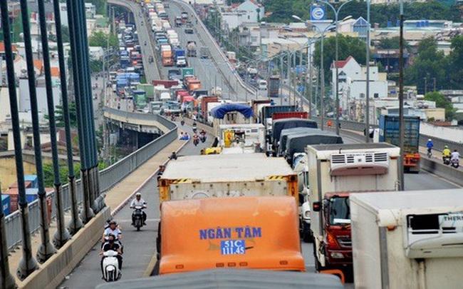 Giám đốc Sở GTVT TP HCM: Sẽ cấm xe chở hàng chạy vào ban ngày!