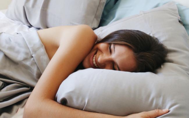 """Ngủ trưa giờ không còn là """"đại diện"""" cho sự lười biếng mà là cách làm việc của kẻ thông minh, nhưng bạn nhất định phải biết điều này"""