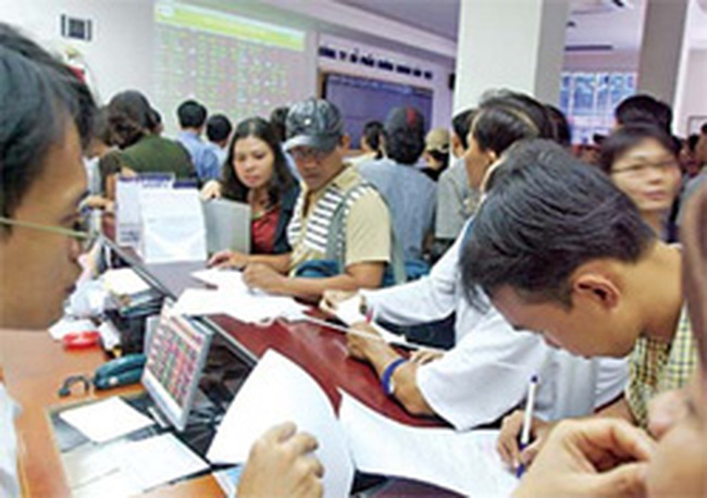 UBCK tổ chức Hội nghị tập huấn các văn bản pháp luật cho các thành viên thị trường