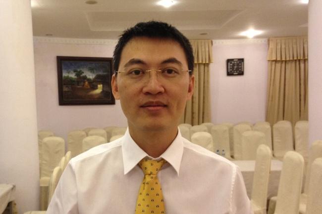 Ông Trần Hữu Chung Phó TGĐ SHS chấm dứt hợp đồng lao động từ 19/11