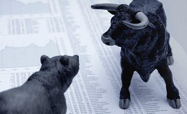 VN-Index gây shock khi vượt 460 điểm, gần 2.000 tỷ tiếp tục đổ vào thị trường