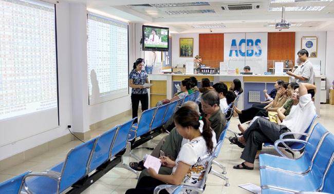 ACBS: Năm 2012 thoái sạch vốn tại 6 ngân hàng, bán ròng 53 triệu cổ phiếu Eximbank