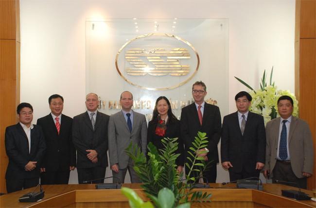 UBCK ký kết Biên bản Ghi nhớ với Ủy ban Giám sát Tài chính Luxemburg