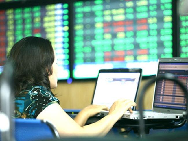 SBS giảm sàn sau tin hủy niêm yết, VN-Index tăng 6 điểm