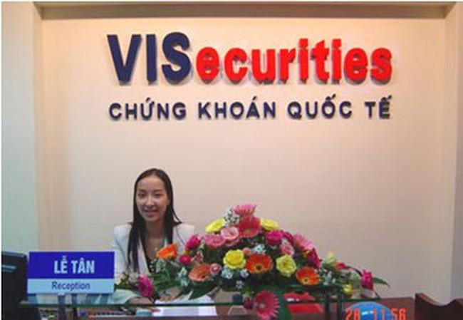 VISecurites: Ông Trịnh Văn Tuấn bán toàn bộ 16,92% cổ phần cho ông Trần Bình Ổn