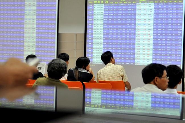 GMD, PVF giảm sàn, VN-Index xuống dưới 470 điểm