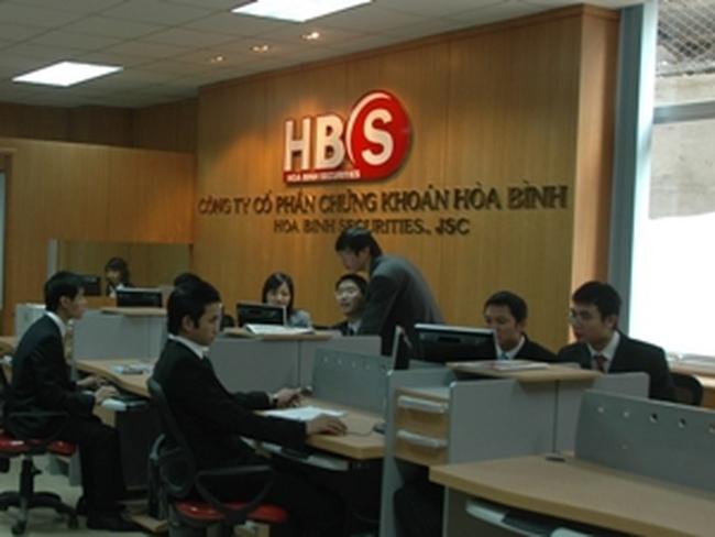 Chứng khoán Hòa Bình, Việt Thành, VSM lãi chưa đầy 60 triệu đồng trong quý 1/2013