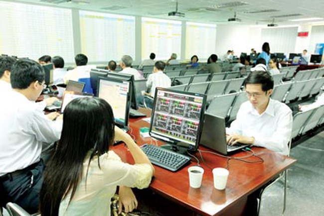 Khối ngoại và tự doanh CTCK đẩy mạnh giải ngân bluechips khi VN-Index vượt 500 điểm