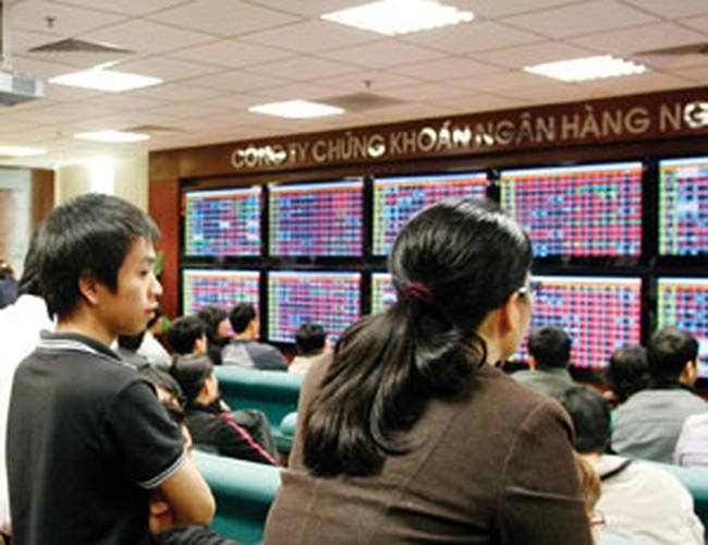 Đà tăng không duy trì được lâu, VN-Index mất mốc 500 điểm