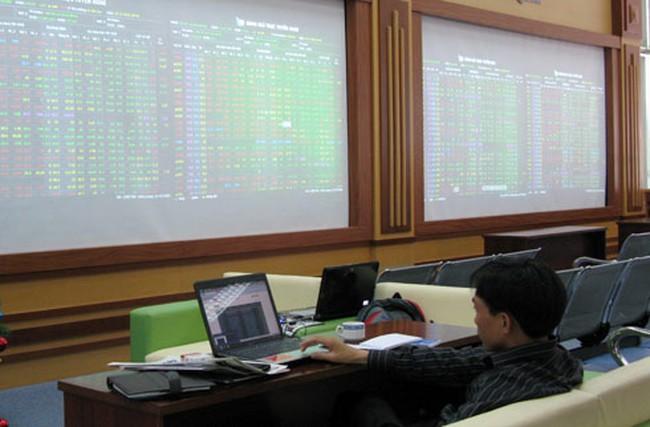 CK Kỹ Thương: Tỷ lệ an toàn tài chính 288%, công ty quản lý quỹ mua EIB và SJS