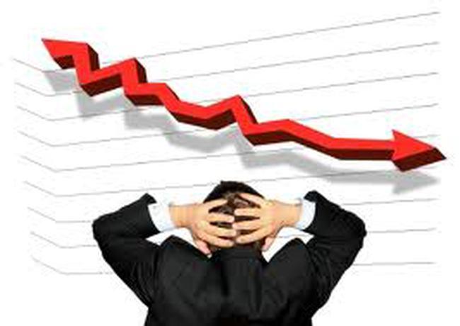Thanh khoản giảm 47% so với phiên trước, VN-Index giảm gần 5 điểm