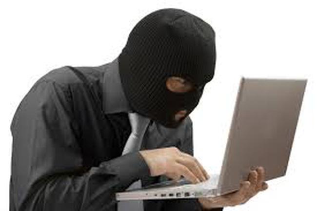 Hacker chiếm tài khoản để bán lậu cổ phiếu