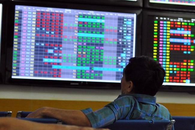 CTG thỏa thuận 7,5 triệu cổ phiếu giá trần, VN-Index tăng nhẹ lên 499 điểm