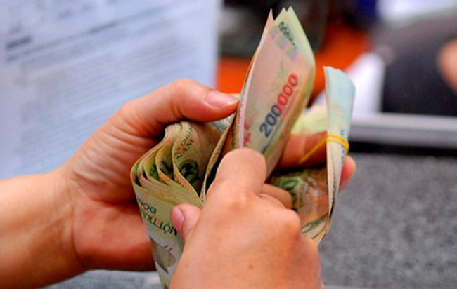 Thanh khoản tăng vọt hơn 1.900 tỷ, NĐT đổ xô chốt lời penny và midcap