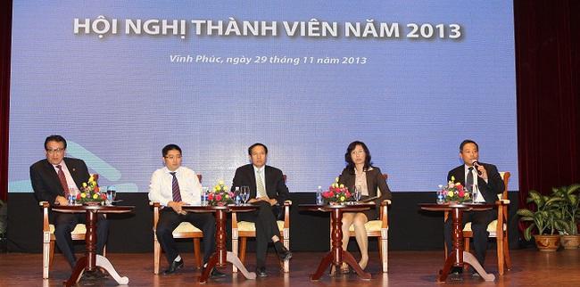 6 CTCK được vinh danh Thành viên HNX tiêu biểu 2013