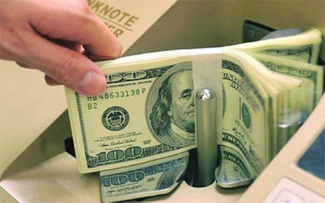 """Dòng tiền lớn từ """"đô"""" đang rậm rịch sang chứng khoán"""