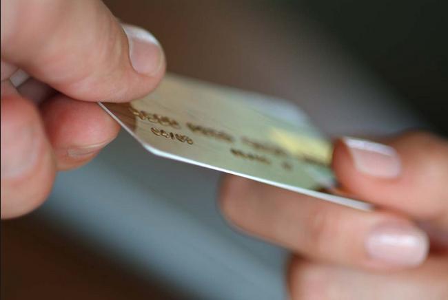 Ngăn chặn hành vi lừa đảo chiếm đoạt tài sản qua thẻ thanh toán quốc tế