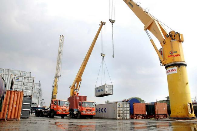Tính theo giá FOB, cán cân thương mại 2013 thặng dư khoảng 11-12 tỷ USD