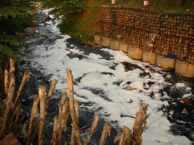 Ngành cung cấp nước, xử lý rác thải đứng đầu về tốc độ tăng trưởng