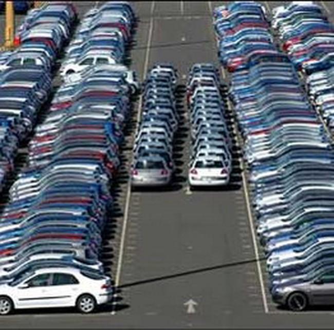 Ô tô nhập khẩu phải cấp giấy phép tự động