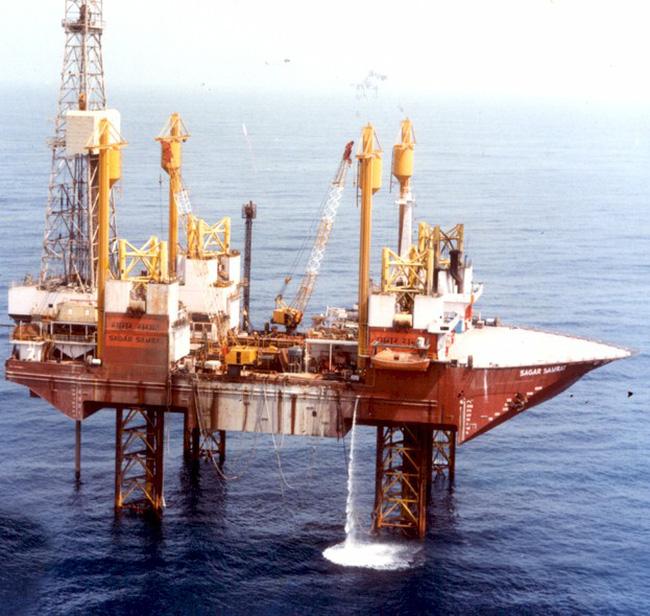 Giá dầu thô thấp nhất trong hơn 3 tháng