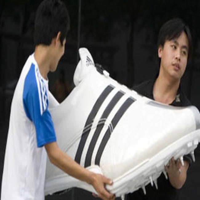 Adidas thắng lớn nhờ Olympic Bắc Kinh