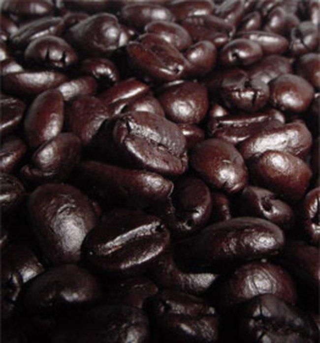 Cà phê tăng giá do nhà sản xuất găm hàng