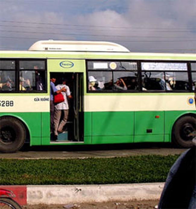 TPHCM: Khách đi xe buýt tăng 25%